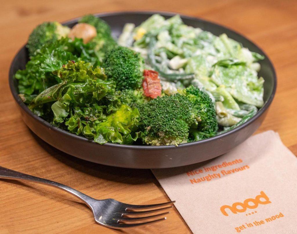 nood food salad bowl