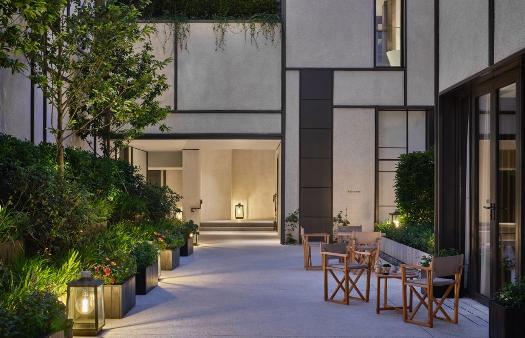 RWHKG_Asaya_Courtyard_5